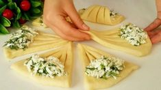 Baking Buns, Bread Shaping, Snacks Für Party, Cake Decorating Tips, Bread Rolls, Canapes, Afternoon Tea, Coco, Baking Recipes