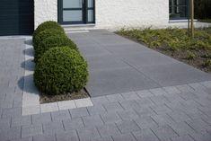 Modern Garden Design, Contemporary Garden, Modern Landscaping, Garden Landscaping, Big Garden, Home And Garden, Minimalist Garden, House Front, Garden Inspiration
