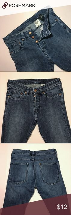 H&M Men's Skinny Low Waist Jeans - Size 28x32 H&M Men's Skinny Low Waist Jeans | Soft Fabric | Great Condition | No Signs of Damage | Buttons H&M Jeans Skinny
