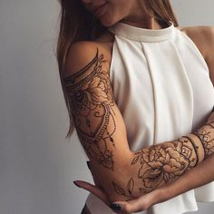awesome Friend Tattoos - Cute henna lace arm tattoo ideas you should try 02 Full Arm Tattoos, Sleeve Tattoos For Women, Great Tattoos, Trendy Tattoos, Sexy Tattoos, Beautiful Tattoos, Body Art Tattoos, Girl Tattoos, Tattoos For Guys