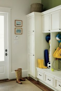 Mud Room - traditional - entry - new orleans - Jackson Cabinetry LLC