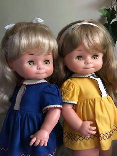 Antique Dolls, Vintage Dolls, Haunted Dolls, New Dolls, Baby Booties, Beautiful Dolls, Doll Clothes, Flower Girl Dresses, Retro