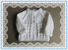 The Charlie Baby Cardigan is a super sweet free knitting pattern you won't be able to resist. The angelic white color and classic design come together to create this one-of-a-king free knitting pattern for babies. Baby Knitting Patterns Free Newborn, Baby Cardigan Knitting Pattern Free, Baby Sweater Patterns, Knitted Baby Cardigan, Knit Baby Sweaters, Baby Hats Knitting, Baby Patterns, Free Knitting, Crochet Patterns
