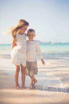 Miranda L. Sober Photography | www.mirandalsober.com | lifestyle photographer | hawaiian beach | Oahu, Hawaii | destination photographer | Fort Collins Colorado based photographer | family photography | beach session | siblings