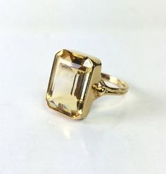 Vintage 14 K Gold Citrine Ring Art Deco Yellow Gemstone Citrine Ring, Citrine Gemstone, Vintage Rings, Vintage Jewelry, Unique Jewelry, Perfect Gift For Her, Vintage Vogue, Or Antique, Anniversary Rings