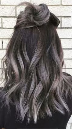 Before too long I'm gonna rock this Gray Ombré Naturally!!