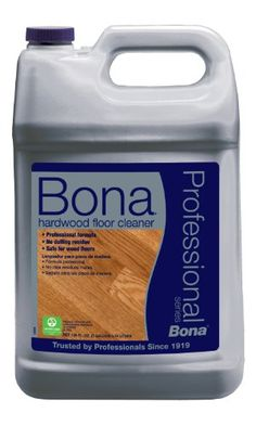 Bona Pro Series Hardwood Floor Cleaner is a professional strength, non-toxic waterborne cleaner that is specially formulated for all types of hardwood floors coated with a clear unwaxed finish. Homemade Laminate Floor Cleaner, Homemade Shower Cleaner, How To Clean Laminate Flooring, Hardwood Floor Cleaner, Hardwood Floor Care, Types Of Hardwood Floors, Cleaning Chemicals, Household Cleaners, Cleaning Hacks