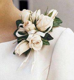 Bridesmaids accessory ��✨���� __________________________________ �� Partners Page: . �� Traveling: @traveltoneverland . �� Home Interior: @mysweethomeinterior . �� Clothing: @sheimose . ___________________________________________ . . . ___________________________________________  #beforewedday #couple #whitedress  #weddininspiration #bridesmaids  #bridetobe #weddingdress #marryme #bridal #wedding  #wedday #weddingtime #fairytalewedding  #fashion  #perfectwedding  #weddingphotography…