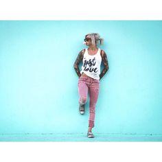 @deko_photography #photography #photoshoot #photographer #art #camera #utah #portrait #photographylovers #photooftheday #utahmodel #slc #photoart #utahportraits #utah #tattoo #tattoos #girlswithtattoos #tattooart #bubblegum #electrothreads #blue #fun #blonde http://tipsrazzi.com/ipost/1524314195587177498/?code=BUnc69KDxwa