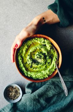 Green Pea Hummus with Feta Cheese & Dill A Food, I Love Food, Good Food, Food And Drink, Yummy Food, Raw Food Recipes, Veggie Recipes, Healthy Recipes, Vegan Vegetarian