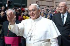 Las primeras audiencias privadas del papa han sido con la presidenta de Argentina, el secretario de Estado de la Santa Sede hoy lunes 18 y ayer con el Padre general de los Jesuitas Adolfo Nicolás.