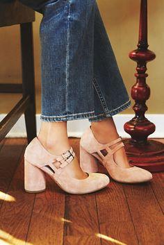 Elise Heel // the perfect everyday block light pink heel
