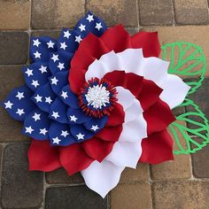 Happy This design is awesome Tina, love it! Made using the Wreath Board ! Fourth Of July Decor, 4th Of July Decorations, 4th Of July Wreath, July 4th, Patriotic Wreath, Patriotic Crafts, July Crafts, Burlap Flower Wreaths, Deco Mesh Wreaths