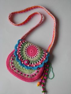 A little girl's purse.... This is so cute for all my little girls... <3