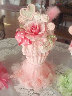 Another gorgeous Cupcake Centerpiece