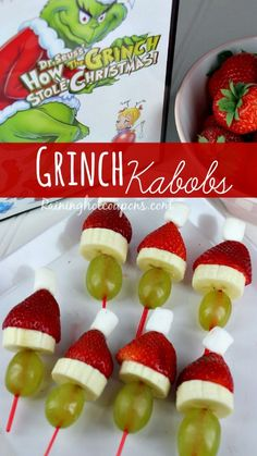 Grinch Kabobs for a healthy & fun holiday snack! Kid-friendly, parent-approved!