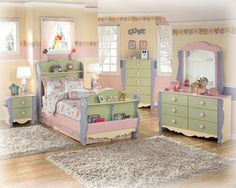 The Jaidyn Poster Bedroom Set from Ashley Furniture HomeStore (AFHS ...