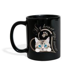 SpreadCats | Mein Herz sagt miau Katze Kätzchen Geschenk - Tasse einfarbig. SpreadCats | Mein Herz sagt miau Katze Kätzchen Geschenk - Frauen Premium T-Shirt.Süßes Baby Kätzchen, Katze guckt raus. Schönes Design für Katzenbesitzer, Katzen Freunde und Katzen Liebhaber. Schreib etwas dazu und erzeuge so ein persönliches Geschenk. Mein Herz sagt miau. #katze #kätzchen #katzenliebhaber #cat #cute Mugs, Tableware, Gifts For Cats, Baby Kitty, Animal Themes, Nice Designs, Gifts For Women, Friends, Heart