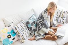Kauniste is a Finnish lifestyle brand for Nordic design textiles and interior goods. Textiles, Plaid Laine, Home Design Diy, Bold Wallpaper, Cosy Corner, Cushions, Pillows, Nordic Design, Decorating Blogs