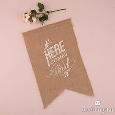Announce your walk down the aisle in refined yet rustic style with the Natural Burlap Ceremony Sign - White Print Here Comes The Bride. Ask a young family Burlap Wedding Signs, Burlap Signs, Burlap Weddings, Wedding Party Favors, Wedding Decorations, Wedding Invitations, Casual Wedding, Wedding Bride, Wedding 2017