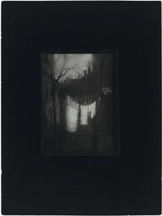Fenêtre de mon atelier, hiver - Sudek Josef (1896-1976) - 1962, épreuve gélatino-argentique Dimensions :  Hauteur : 0.238 m Largeur : 0.178 m