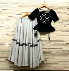 Order contact my WhatsApp number 7874133176 Choli Blouse Design, Choli Designs, Sari Blouse Designs, Lehenga Designs, Indian Designer Outfits, Indian Outfits, Dandiya Dress, Stylish Dresses, Fashion Dresses