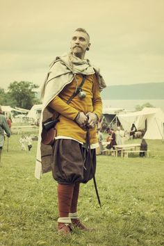 Pretty faces in pretty kit...maybe its just a reenactor thing, but sometimes I can't tell which I...