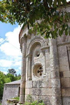 iglesia de San Pedro de Dozón.