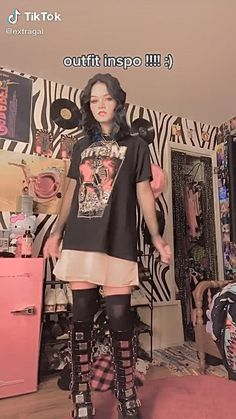 @extragal on tiktok Grunge Outfits, Indie Outfits, Edgy Outfits, Cute Casual Outfits, Retro Outfits, Grunge Fashion, Teen Fashion, Fashion Outfits, Aesthetic Grunge Outfit