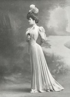 Robe d'après-midi par Doeuillet, 1905.