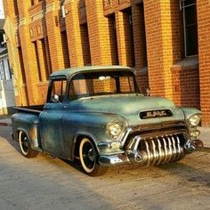 GMC automobile - good picture