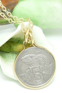 New Zealand 5 Cent Coin Pendant Tuatara Reptile Gold Filled Necklace