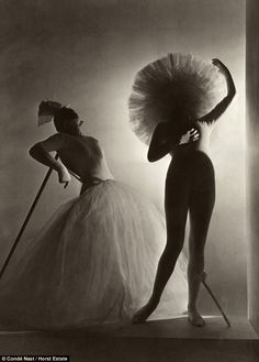 Horst incorporated modernism and surrealism into the world of fashion photography, as well as contrasting dramatic light and shadow as if drawn from black-and-white films not to mention a stylish eye. Description from nowfashion.com. I searched for this on bing.com/images