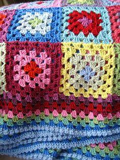 Baby Granny blanket :D Crochet Afgans, Crochet Quilt, Love Crochet, Baby Blanket Crochet, Crochet Stitches, Crochet Hooks, Crochet Baby, Crochet Patterns, Crochet Blankets