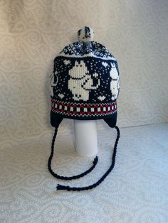 Wonderful hand-made winter hats with moomin pattern by LanaNere