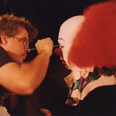 Bart Mixon transforms Tim Curry into Pennywise behind the scenes of Stephen King's IT (1990)