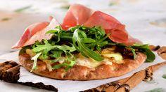 Turpizza med karamellisert løk - Kos - Oppskrifter - MatPrat Pizza Recipes, Bruschetta, Kos, Vegetable Pizza, Vegetables, Cooking, Ethnic Recipes, Kitchen, Veggies