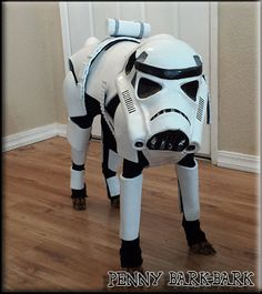 Star Wars Stormtrooper DIY dog costume, see more at… Diy Dog Costumes, Animal Costumes, Dog Halloween Costumes, Costume Ideas, Halloween Fun, Costume Contest, Funny Animal Pictures, Funny Animals, Cute Animals