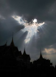 THAILAND - ISRE Chorphaka real photography - short lived angel apparition (10seconds!)