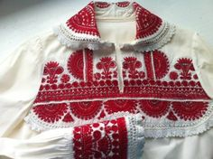 Modern Folk Embroidery Polish Folk Costumes / Polskie stroje ludowe Embroidery from the region of Kurpie Białe, Poland - Embroidery from the region of Kurpie Białe, Poland. Images via Dom Sztuki Ludowej - Polart. Polish Embroidery, Folk Embroidery, Shirt Embroidery, Hand Embroidery Designs, Embroidery Patterns, Floral Embroidery, Polish Clothing, Folk Clothing, Art Costume