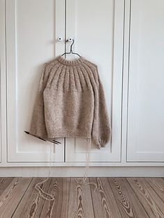 Best 10 Ravelry: Sunday Sweater pattern by PetiteKnit Knitting Needles, Free Knitting, Knit In The Round, Stockinette, Knitting For Beginners, Knitting Designs, Pulls, Ravelry, Knitwear
