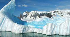 Campo de hielo Sur situado en los Andes patagónicos. Se compone de 49 glaciares entre Chile y Argentina. En Chile se encuentran: Jorge Montt, Pío XI (el mayor del hemisferio Sur fuera de la Antártica, con 1 265 km²), O'Higgins, Bernardo, Tyndall, y Grey. Pertenecen a los Parques Bernardo O'Higgins y Torres del Paine. XII Región de Magallanes y Antártica Chilena.  El 85% pertenece a Chile y el resto a la Argentina. es.wikipeda.org