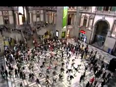 flashmob. I wanna be stuck in the middle of of a Flashmob.