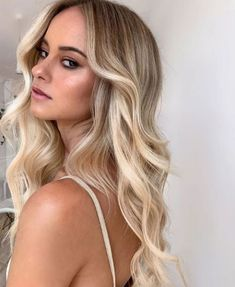 Perfect Long Blonde Hairstyles for Women to Look Blissful This Summer Pretty Hairstyles, Blonde Hairstyles, Bliss, That Look, Long Hair Styles, My Style, Beauty, Summer, Women