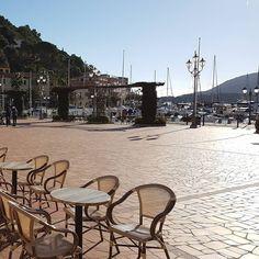 http://ift.tt/1NHxzN3  Buongiorno da #portoazzurro stamani è freddo freddo ma al sole si sta benino. Continuate a taggare le vostre foto con #isoladelbaapp il tag delle vostre vacanze all'#isoladelba.