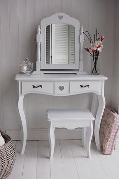 heart-cottage-dressing-table-large.jpg (500×752)