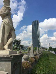 Buongiorno #Milano Eccoci in piazza Giulio Cesare Foto di Deni #milanodavedere Milano da Vedere