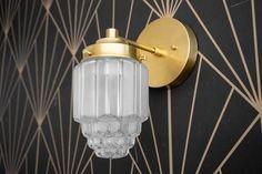Pendant Lighting Designs and Ideas Art Deco Lighting, Wall Sconce Lighting, Modern Lighting, Wall Sconces, Pendant Lighting, Art Deco Wall Lights, Light Art, Art Deco Pendant Light, Brass Sconce