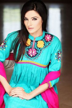 Purchase a Sea green & pink casual embroidery stylish top with ban style neckline embellished with beautiful patterns of hand embroidery. Full length sleeves also have work on shoulders and cuffs. India Fashion, Suit Fashion, Love Fashion, Fashion Outfits, Pakistani Couture, Pakistani Outfits, Indian Outfits, Eid Dresses, Indian Dresses