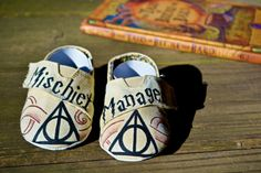 Harry Potter baby shoes. Marauder's Map hand painted shoes. Mischief Managed and the Deathly Hallows symbol. Etsy infant HP fandom slip ons.
